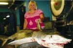 Savannah Woman sets Georgia State Record for Tiger Shark